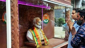 A MAN FROM PUNE BUILT A TEMPLE FOR MODI