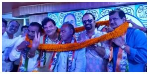 The district leadership of the Trinamool has undergone a major reshuffle and a reception has been given to the new incumbents